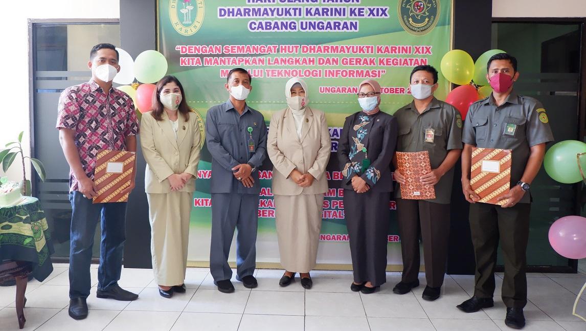 Peringatan Hari Ulang Tahun (HUT) Dharmayukti Karini ke-XIX Tahun 2021 sekaligus Penyerahan Bantuan Dana Beasiswa (BDBS)